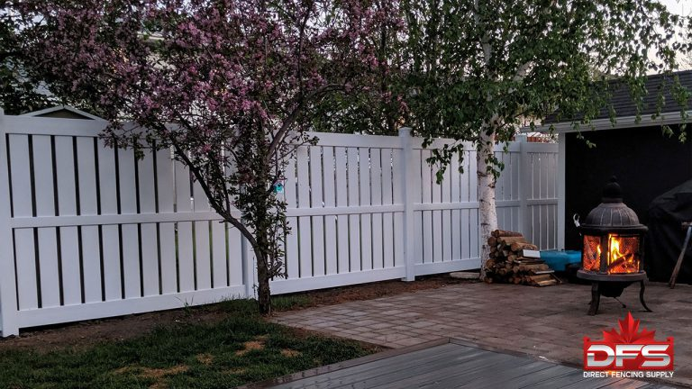 semi-privacy vinyl fence saskatchewan